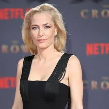 After beginning her career in theatre, anderson ach. Gillian Anderson Reveals Hair Transformation
