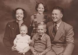 ESDA | Gray, Kenneth John (1912–1986) and Dorothy Beatrice (Smith)  (1915–1999)