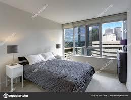 Graue Schlafzimmer Modernen Wohnung Mit Eigenem Balkon Nordwesten