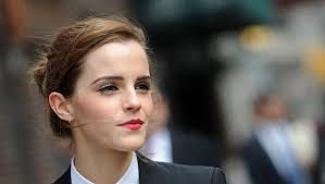 makeup artist transforms herself into emma watson with gorgeous photo floor8