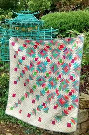 Rain Down quilt by sharon on http://QuiltWithLove.com RJR What ... & Rain Down quilt by sharon on http://QuiltWithLove.com RJR What Shade Adamdwight.com