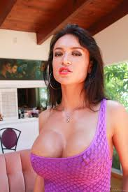 Big Ass Latina Mature Franceska Jaimes Inserts A Candle In Her.