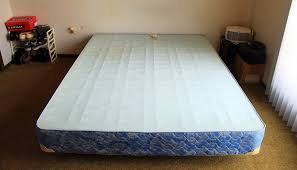 divan bed definition and synonyms of