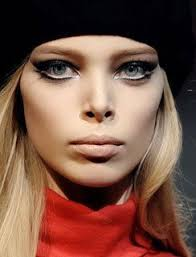 i would love to rock some 60s style mod twiggy makeup