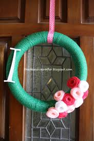Welcome wreath #pink #green on The Obsessive Crafter: Party Planning:  Isabel's First