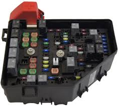 2010 buick enclave saturn outlook chevy traverse fuse box block new 97 Buick LeSabre Fuse Box Diagram 2010 buick enclave saturn outlook chevy traverse fuse box block new oem 20832837