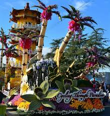 Rose Bowl Float Decorating Viewing the 60 Rose Parade Float Decorating The World Is A Book 22