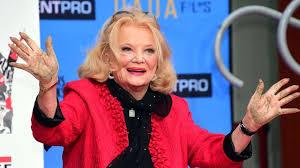debbie reynolds 2014. Delighful 2014 Gena Rowlands Le 5 Dcembre 2014  Hollywood En Californie On Debbie Reynolds H