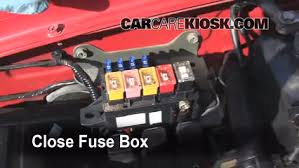 blown fuse check 1999 2004 chevrolet tracker 2000 chevrolet secure the cover and test component