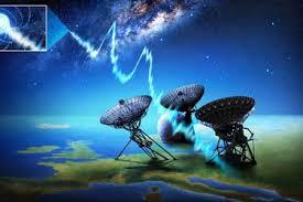 Astrónomos más cerca de revelar origen de misteriosa señal del interior de  la Vía Láctea y que se repite con asombrosa frecuencia - La Tercera