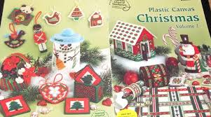 Free Plastic Canvas Christmas Patterns Amazing Free Plastic Canvas Christmas Cottage Pattern More Really Pretty