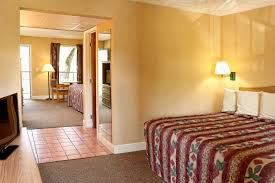 Pigeon Forge 2 Bedroom Suites Creekstone Inn Unwind From The Stress Of Daily Life And Let Your