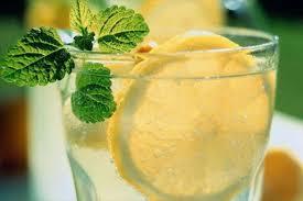 Картинки по запросу Рецепт приготовления домашнего лимонада с мятой и медом