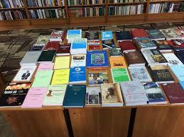 Монографии научной школы профессора Петренко А Д представлены на   38292