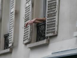 Hintergrundbilder Hände Fenster Gebäude Balkon Winkel Mano