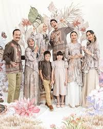 Model baju gamis terbaru 2021: Tren Baju Lebaran 2021 4 Rekomendasi Online Shop Yang Keluarkan Koleksi Baju Muslim 2021 Dengan Bahan Sutra Yang Lembut