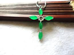 whole natural ma laiyu jade cross women s green fashion pendant gold circle pendant necklace diamond pendants necklaces from mengyueqing 3 02 dhgate