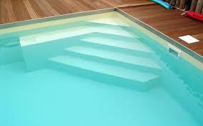 Treppen führen menschen durch … Treppe Oder Leiter Schwimmbad Sauna Center