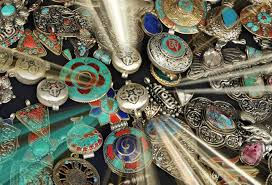 how to choose buddhist jewellery jewelry necklaces pendants enthusiasticbuddhist com