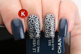 Blue and Silver Filigree Nails | 26 Great Nail Art Ideas | Kerruticles