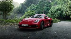 2018 porsche boxster 718 gts. wonderful 2018 the cayman gts looks wider than the standard thanks to a new front  fascia on 2018 porsche boxster 718 gts