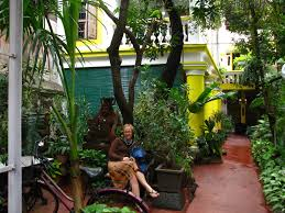 file india pondicherry 006 lush entrance of the coloniale guesthouse 4180054802 jpg