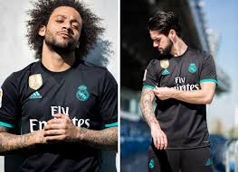 Open me real madrid 2017/18 home/away kit ps4: Real Madrid 2017 18 Away Kit