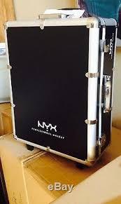 nyx makeup artist train case w lights mirror legs extra large black silver