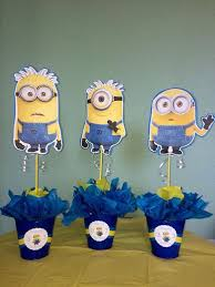 1 Minion centerpiece by SweetDecorz on Etsy. Minion Centerpieces ...