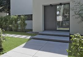 Die vorhandene treppe muss dafür nicht weichen. Aussentreppe Und Hauseingang Gestaltungsideen Von Rinn Beton