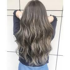 グラデーションでいつもの髪型をアレンジしよう色で楽しむロング向けの