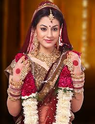 tiara specilaises in south indian bridal make up traditional bridal makeup northindian bridal makeup and events make up