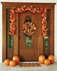 thanksgiving front door decorations30 Cozy Thanksgiving Front Door Dcor Ideas  DigsDigs
