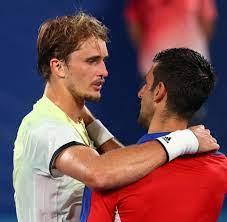 Olympisches Tennis-Turnier: Zverev gelingt die Sensation gegen Djokovic -  WELT