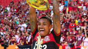 Uma homenagem do flamengo futebol feminino! A Tatuagem De Vitinho Do Flamengo Que Homenageia E Emociona A Chapecoense Goal Com