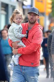 Now, make lil justin dance! Justin Timberlake Dotes On Son Silas In New York Daily Mail Online