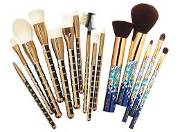 makeup brushes with best color motif jpg