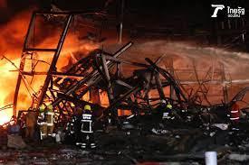 ไฟไหม้โรงงานย่านกิ่งแก้ว ปะทุอีก 2 จุด เปลวเพลิงสูงเกือบ 20 เมตร