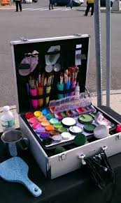 face painting stand setup