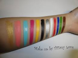 swatches from left to right gold c turquoise fushcia yellow black silver white red blue leaf