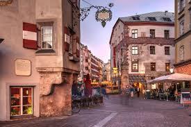Amtlich republik österreich) ist ein mitteleuropäischer binnenstaat mit rund 8,9 millionen einwohnern. The Most Beautiful Towns In Austria