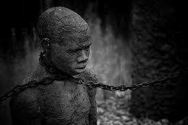 Risultati immagini per schiavo in catene