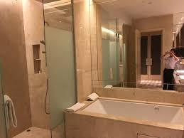 equarius hotela deluxe room. IMG_1956 Equarius Hotela Deluxe Room