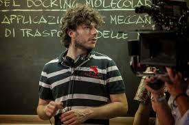 Smetto quando voglio: intervista al regista Sydney Sibilia - Film 4 Life -  Curiosi di Cinema