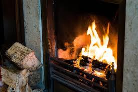 Kaminofen Richtig Reinigen Tipps Für Glastür Und Ofen