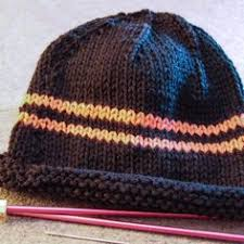 Easy Knit Hat Pattern Straight Needles Custom A Basic Chunky Knit Beret Pattern Free Done On Straight Needles