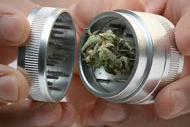 grinder with kief catcher. how to use a weed grinder with kief catcher