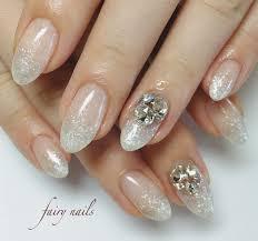 上品な白ラメグラデーション Nail Art Ideas 3 ジェルネイル