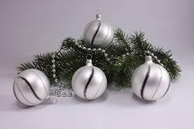 4 Kugeln Weiße Weihnachtskugeln 8cm Matt Schwarz Gst Weihnachtsschmuck Aus Lauscha