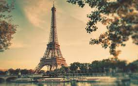 Eiffel Tower - TRIPS AND BOOKS
